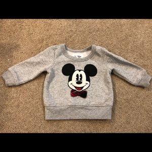 Gap Disney sweat shirt